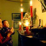 Phong tục ứng xử văn hóa của người Việt đối với gia tiên và nguồn cội